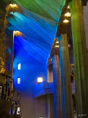 Barcelona_Sagrada Familia_inside_2 (Joachim Spenrath Münster, Germany) Tags: barcelona church spain kathedrale kirche sagradafamilia spanien cathedrale holyfamily drinnen expressionismus heiligefamilie sühnekirche basilicaminor gaudi inside