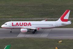 Laudamotion Airbus 320-214 OE-LOA (c/n 3147) (Manfred Saitz) Tags: vienna airport schwechat vie loww flughafen wien laudamotion airbus 320 a320 oeloa oereg