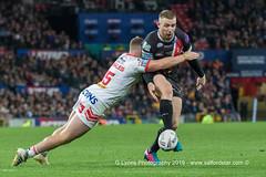 Jackson Hastings kicks through-2017 (G I Lyons) Tags: rugbyleague betfredsuperleague grandfinal oldtrafford salfordreddevils sthelens saints trafford greatermanchester unitedkingdom