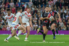 Lachlan Coote tries to tackle Niall Evalds-2145 (G I Lyons) Tags: rugbyleague betfredsuperleague grandfinal oldtrafford salfordreddevils sthelens saints trafford greatermanchester unitedkingdom