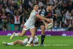 Jake Bibby looks for support-2187 (G I Lyons) Tags: rugbyleague betfredsuperleague grandfinal oldtrafford salfordreddevils sthelens saints trafford greatermanchester unitedkingdom