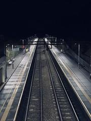 Awaiting a Little Piece of Sleeper History (TimboM) Tags: night hartford wcml hartfordstation platform