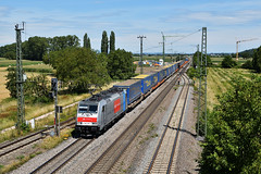 186 187 in Müllheim (Baden) (Laufradsatzlageröler) Tags: 186 silber badenwürttemberg crossrail klv drehstrom müllheimbaden elektroloks railpool walter rheintalbahn kbs703