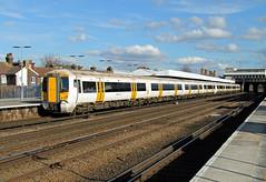 375613 Tonbridge (CD Sansome) Tags: station southeastern south eastern govia tonbridge electrostar 375 375613