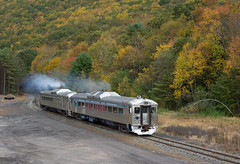 Fall Has Finally Arrived (Eric_Freas) Tags: reading northern rn rail diesel car rdc fall nesquehoning junction jct
