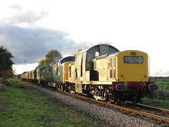 IMG_7234 (JI60009) Tags: nenevalleyrailway nvr autumn diesel gala triple header class 17 clayton d8568 37 37109 deltic 55 55019 royal highland fusilier