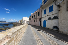 lungo le mura (*magma*) Tags: alghero sardinia sardegna walk passeggiata street lungomare colori