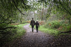 'Just a stroll' (Taken By Me Photography) Tags: green woods woodland walk tree trees nikon north lancashire wet rain rainy weekend d750 takenbyme takenbymephotography wwwtakenbymephotographycouk stroll strolling couple eve