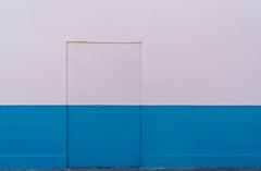 bicoloured simplicity (rainerralph) Tags: simple fe282470gm minimalistic valencia fassade facade sony mediterraneansea sonyalpha a7r3 mittelmeer