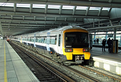 466022 465182 (CD Sansome) Tags: station southeastern south eastern govia london blackfriars networker 466 465 466022 465182