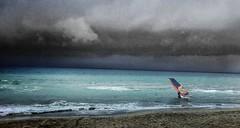 I colori del mare (. ..::..::::....:::::m.trinciarelli photo::..:..) Tags: mare maredinverno tuscanybeach storms blackclouds mediterraneansea waterandsky