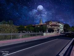 En la noche (Chema Jiménez53) Tags: creación estrellas luna noche calle