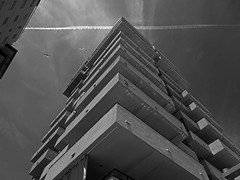 Edificio (Andy WXx2009) Tags: outdoors building artistic architecture sky modern tower apartments light blackandwhite monochrome streetphotography espana platjadaro spain coast holiday skyline cityscape europe angles