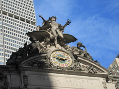2019 Clock and Statues of Mercury / Hermes 5490 (Brechtbug) Tags: 2019 clock statues mercury hermes above entrance grand central terminal railroad train station 42nd street new york city 10132019 around 2pm nyc stone nude nudes classical clocks tower gargoyle gargoyles public art sculpture statue sculptures myth myths mythology mythological medical staff snakes snake entwined wings hat helmet wing winged bird birds roof
