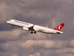 TC-JSS Turkish Airlines Airbus A321-200(WL) (alex kerr photography) Tags: