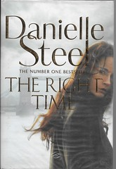 BOOK 33 (Owlet2007) Tags: right time danielle steele abandoned orphaned nuns writer crime novels pseudonym secret double life fame success envy trust truth 25 book challenge