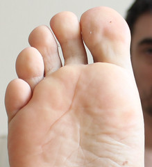 10 (kinkhumiliation) Tags: barefeet soles toes malefeet nude naked cheesy feet male solo toejam smell sole
