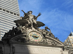 2019 Clock and Statues of Mercury / Hermes 5488 (Brechtbug) Tags: 2019 clock statues mercury hermes above entrance grand central terminal railroad train station 42nd street new york city 10132019 around 2pm nyc stone nude nudes classical clocks tower gargoyle gargoyles public art sculpture statue sculptures myth myths mythology mythological medical staff snakes snake entwined wings hat helmet wing winged bird birds roof