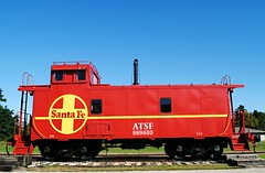 Atchison, Topeka and Santa Fe Railway Caboose - Avoca, Wisconsin (Cragin Spring) Tags: wisconsin smalltown rural wi unitedstates usa unitedstatesofamerica avoca avocawi avocawisconsin atchisontopekaandsantaferailway rail railroad caboose santafe