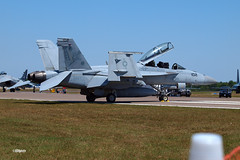 170409_025_SnF_SuperHornet (AgentADQ) Tags: us navy fa18f super hornet jet fighter plane airplane military aviation sun n fun lakeland florida flyin expo air show airshow 2017