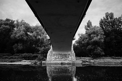 So be it (Tom Levold (www.levold.de/photosphere)) Tags: auschwitz fuji xpro2 xf18135mm sw bw trees wasser river bäume fluss water architektur architecture brücke bridge