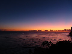 How does orange turn to blue? (enjbe) Tags: hawaii waikiki ocean sunset orange
