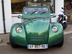1982 CITROËN 2CV Cabriolet (ClassicsOnTheStreet) Tags: ef857rd ef857rd52 citroën 2cv 1982 citroën2cv cabrio cabriolet convertible 4door 4doorcabriolet homemade zelfbouw conversion ombouw eend lelijkeendje ente deuche deuxcheveaux lefèbvre andrélefèbvre bertoni flaminiobertoni 2cylinder 2cilinder aircooled luchtgekoeld boxer 70s 1970s oldtimer classic classico klassieker veteran vintage gespot spotted carspot langres avenueducapitainebaudoin frankrijk france francia frankreich f fr 2019 straatfoto streetphoto streetview strassenszene straatbeeld classicsonthestreet groen green vert verde grün