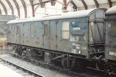 V  041838 100785 (stevenjeremy25) Tags: mk1 parcel van railway coach carriage train npv 041838 m94109 94109