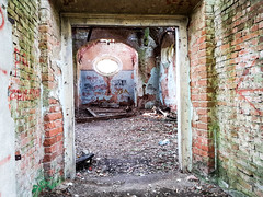 IMG_20191013_123256 (Piotr Tichy) Tags: abandoned desolate brickyard forsaken derelict forlorn stranded palace mansion distillery mill brewery