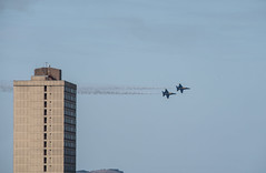 buzzing the holiday inn (pbo31) Tags: sanfrancisco civiccenter over california nikon d810 color october 2019 boury pbo31 siemer blueangels airshow navy aviation flight plane jet fa18 hornet naval fleetweek blue vannessavenue hotel