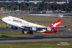 VH-OJU QF B747 34L YSSY-8235 (A u s s i e P o m m) Tags: sydney newsouthwales australia qantas qf boeing b747 syd yssy vhoju sydneyairport