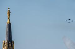 city hall spire (pbo31) Tags: sanfrancisco california nikon d810 color civiccenter october 2019 boury pbo31 siemer blueangels airshow navy aviation flight plane jet fa18 hornet naval over fleetweek blue vannessavenue cityhall
