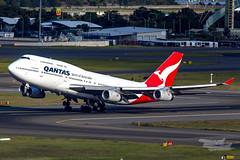 VH-OJU QF B747 34L YSSY-8229 (A u s s i e P o m m) Tags: sydney newsouthwales australia qantas qf boeing b747 syd yssy vhoju sydneyairport
