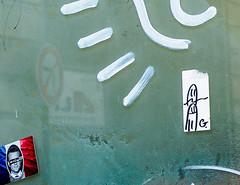 GodSaveTheKing.jpg (Klaus Ressmann) Tags: klaus ressmann omd em1 fparis france macron summer design flcstrart grafitti streetart klausressmann omdem1