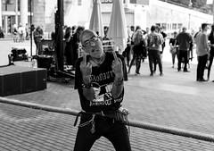 Provocador (Samarrakaton) Tags: samarrakaton 2019 nikon d750 2470 bilbao bilbo bizkaia nave9 gente people street callejera byn bw blancoynegro blackandwhite monocromo