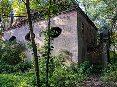 IMG_20191013_123147 (Piotr Tichy) Tags: abandoned desolate brickyard forsaken derelict forlorn stranded palace mansion distillery mill brewery