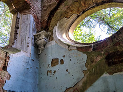 IMG_20191013_123327 (Piotr Tichy) Tags: abandoned desolate brickyard forsaken derelict forlorn stranded palace mansion distillery mill brewery