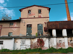 IMG_20191013_104445 (Piotr Tichy) Tags: abandoned brickyard desolate forsaken derelict forlorn stranded palace mansion distillery mill brewery