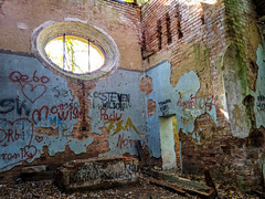 IMG_20191013_123350 (Piotr Tichy) Tags: abandoned desolate brickyard forsaken derelict forlorn stranded palace mansion distillery mill brewery