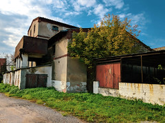 IMG_20191013_104419 (Piotr Tichy) Tags: abandoned brickyard desolate forsaken derelict forlorn stranded palace mansion distillery mill brewery
