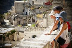 tetti di Matera (Enrico Piolo) Tags: tetti matera profilo cappello borsetta muretto scala gradini