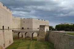 Barletta, Castello Svevo (liakada-web) Tags: apulia apulie apulien d7500 it italia italien italy nikon nikond7500 puglia barletta