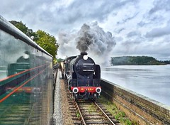 Great Central Railway Swithland Leicestershire 13th October 2019 (loose_grip_99) Tags: greatcentral railway railroad rail train leicestershire eastmidlands england uk greatwestern gwr modified hall 460 6990 witherslackhall footplate swithland reservoir passing southern schools v 440 926 repton preservation transportation gassteam uksteam trains railways gcr