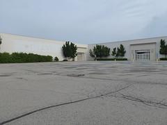 Hermitage, PA Shenango Valley Mall - closed Macy's (originally Strouss) (army.arch) Tags: hermitage pennsylvania pa mall shoppingcenter shenangovalley strouss macys closed departmentstore