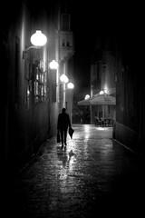 Zadar, Croatia (pas le matin) Tags: travel voyage world nb bw noiretblanc blackandwhite monochrome silhouette night nuit rain pluie streetlight lampadaire street rue candid croatie croatia hrvatska europe europa city ville zadar canon 7d canon7d canoneos7d eos7d
