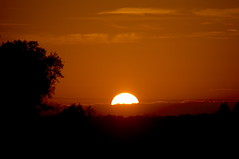 Meditativ (ronparth) Tags: sun sunset sonne sonnenuntergang elsass alsace vogesen natur himmel romantisch romantic sky red rot verzaubert herbst
