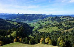 DSC02930 (Bergwandern Alpen) Tags: alpen alps bergwandern hiking sihlsee berglandschaft euthal herbst herbststimmung