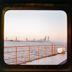 From the Staten Island Ferry (instagram.com/dimush) Tags: 120mm kodak v700 analog epsonv700 istillshootfilm 120мм среднийформат 120film rolleiflex28e 120 portra grainisgood tlr 6x6 пленка film granisgood mediumformat rolleiflex portra400