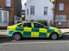 Munster Medics - Ambulance Service - Ford Mondeo RRV -  Limerick City, Ireland. (firehouse.ie) Tags: ireland automobile ambulance vehicles vehicle autos emergency ems automobiles limerick frc ambulances rrv rapidresponsevehicle l'auto munstermeidcs meidcs ambulancia ambulanz krankenwagen vehicules ambulansa ford voiture emt fords voitures mondeo vehicule fordmondeo fastresponsecar mondeos munstermedics