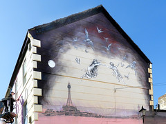 THE ARTIST ... AND PETER PAN. (tommypatto : ~ IMAGINE.) Tags: merseyside newbrighton murals peterpan